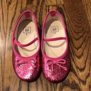 Sparkly pink toddler flats!